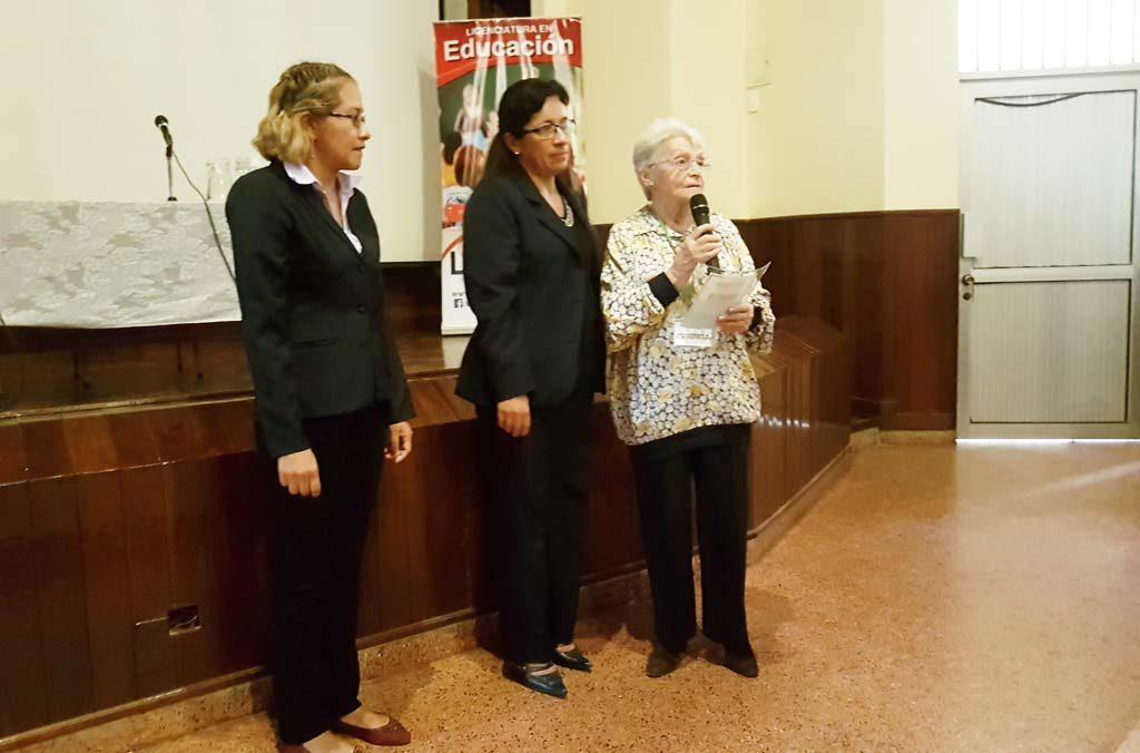 Congreso2017-reconocimiento a Teresa Cremonesi