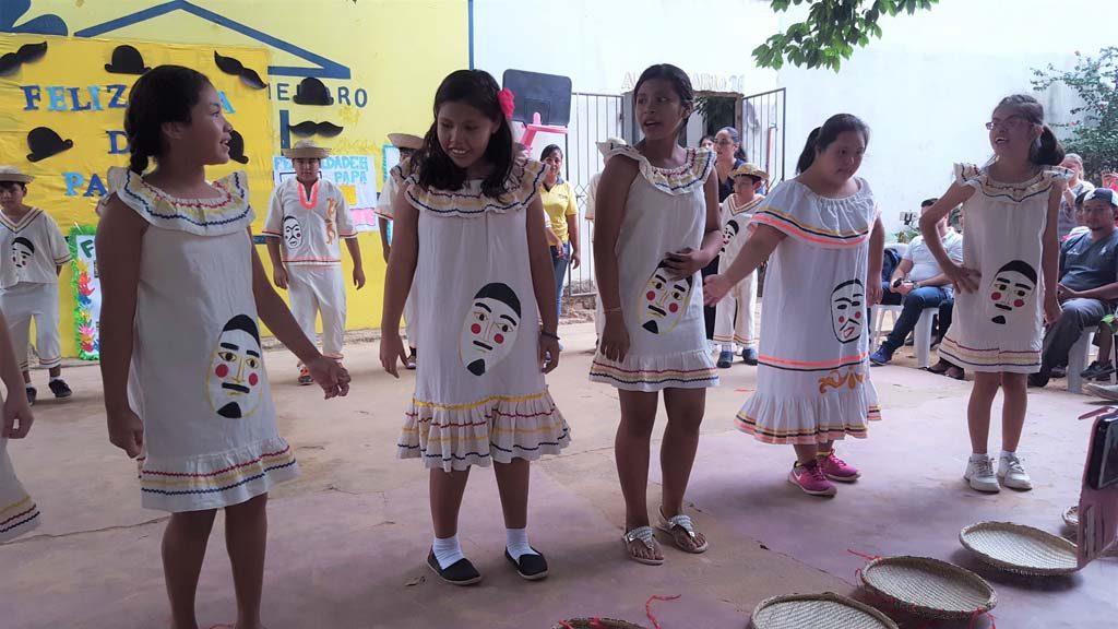 Multigrado_danza chovena (2)