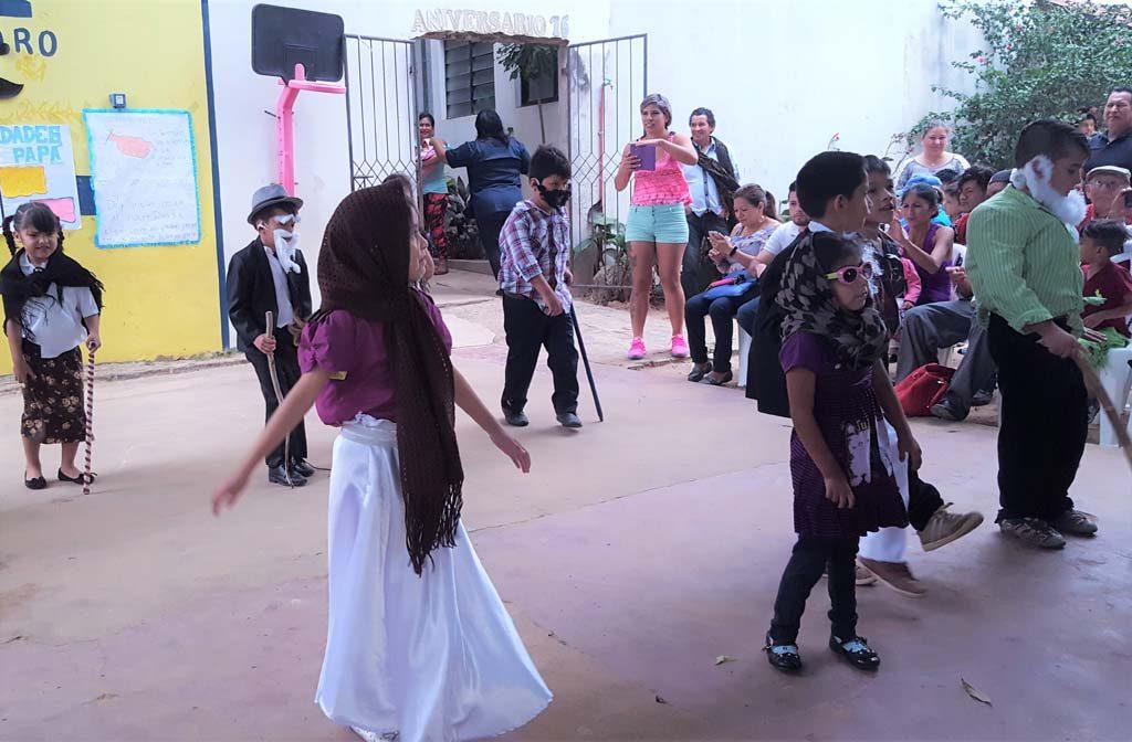 Primero_danza de los abuelitos(4)